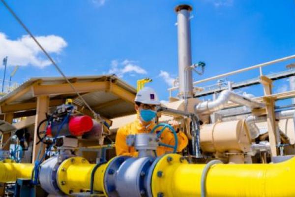 Giá xăng dầu hôm nay 14/5: Giảm 3% dù tồn kho dầu Mỹ giảm lần đầu tiên sau 4 tháng