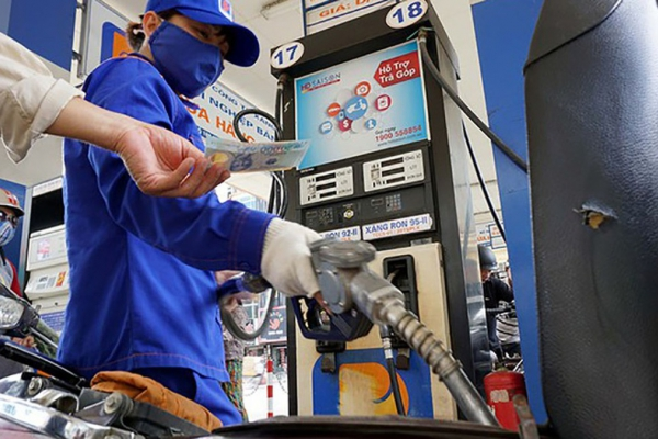 Giá xăng dầu hôm nay 25/2: Duy trì đà tăng nhẹ vì sản lượng dầu tại Mỹ giảm