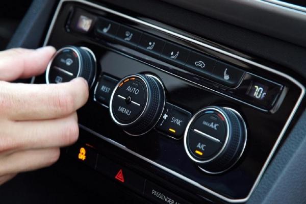 Sử dụng điều hòa thế nào để hạn chế virus corona lọt vào xe ô tô?
