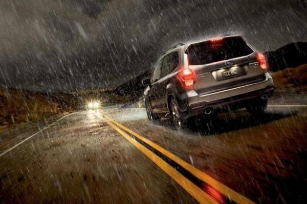 Bộ phận nào trên ô tô dễ bị hỏng nếu gặp mưa lớn?