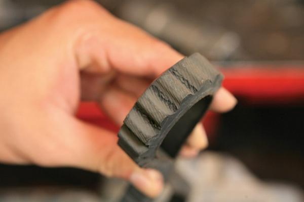 Đi xe tay ga, bao lâu cần thay dây cu-roa?