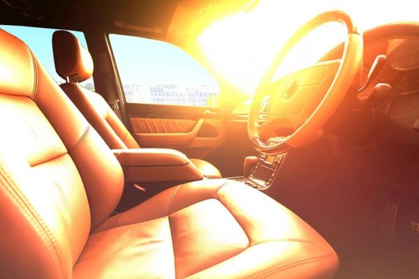 Những cách hạ nhiệt khoang ô tô cực nhanh dưới trời nắng nóng