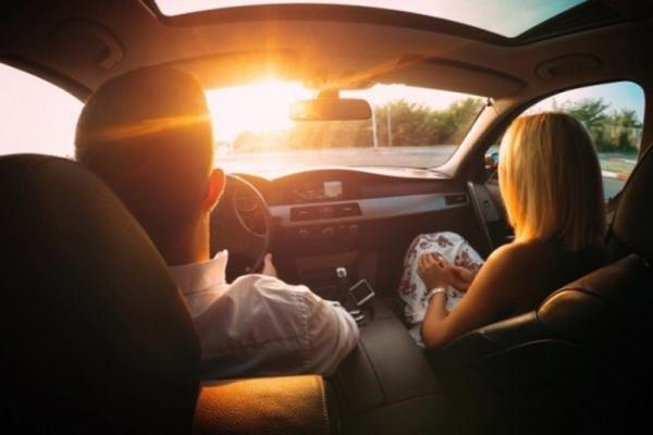Những cách giảm thiểu chói mắt vì nắng khi lái xe