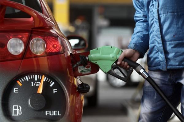 Đi ô tô, làm thế nào để tiết kiệm xăng hàng tháng?